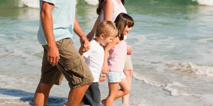 Family-Enjoying-Beach